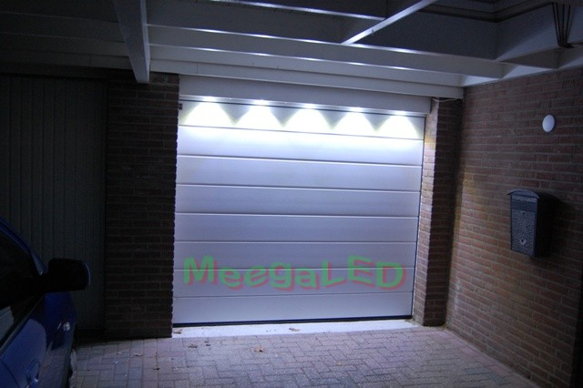 http://www.ledgaragerail.nl/foto/Fotopagina/ledgaragerail_ledrail_garageverlichting_06.JPG
