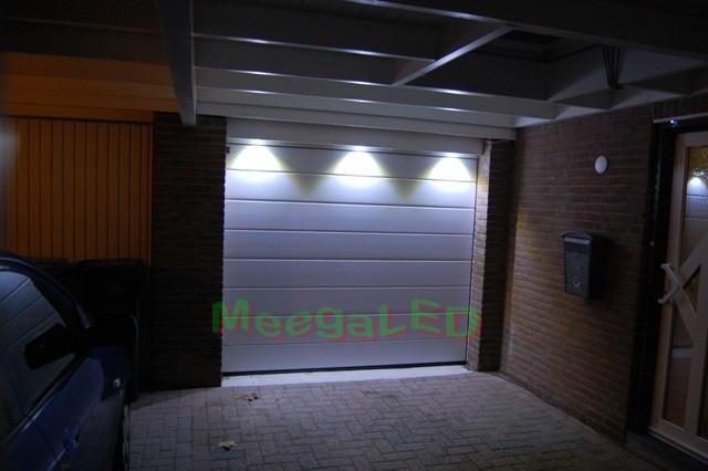 Verlichting Voor Garage : Ledgaragerail de ledrail garageverlichting voor boven uw